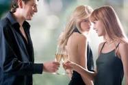 Deux ex qui restent amis doivent aussi gérer la jalousie des nouveaux conjoints !