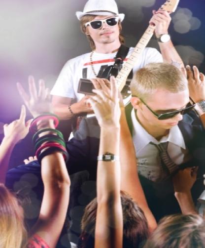 Draguer lors d'un concert