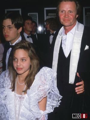 Angelina Jolie toute jeune
