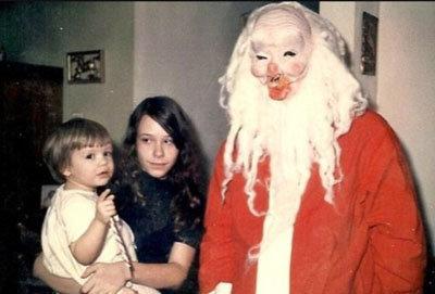 Des costumes de Père Noël effrayants